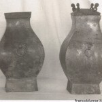 Coppia di vasi Hu quadrati con maschere T'ao-T'ieh e anelli. Dinastia Han , 206AC - 220DC