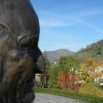 San Giovanni XXIII, Papa, statua in bronzo eseguita da Franco Blumer