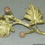 Bacche rosa - Spilla in oro inciso