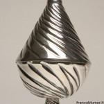 Cono zuccheriera in argento tornito e cesellato