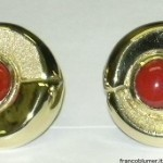 yellow gold earrings engraved, coral