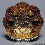 patena in argento sbalzata, cesellata interno dorato