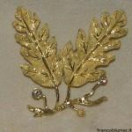 Quercia - Spilla due foglie in oro inciso, con brillani