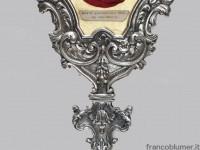 """reliquiario """"ex indumentis Beato Giovanni XXIII Papa"""" ,  realizzato in metallo argentato. Parrocchia Botta di Sotto il Monte"""